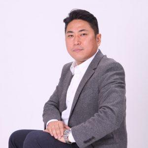 Dong Joon, Lee